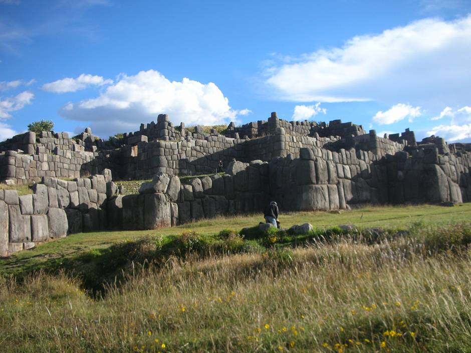 Places to visit in Peru: Sacsaywaman