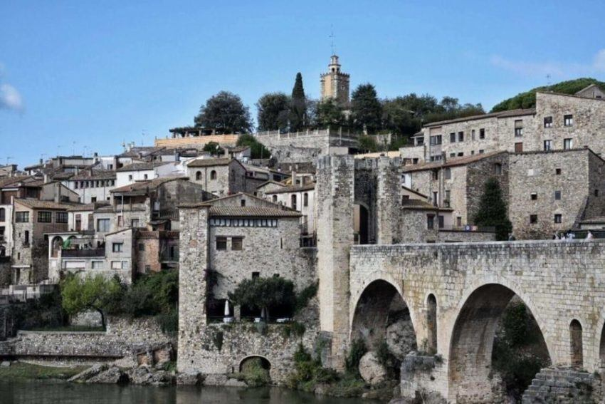 A Guide To Besalú: Things To Do In This Lovely Town